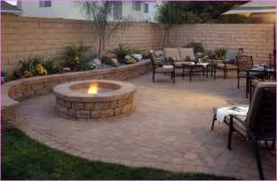 Home Patios Photo Gallery by Garden Design Garden Design With Small Backyard Patio
