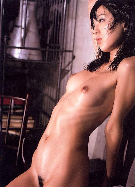 Japanese Model Hitomi Shiraishi