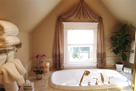 white towel small window with curtain modern romantic