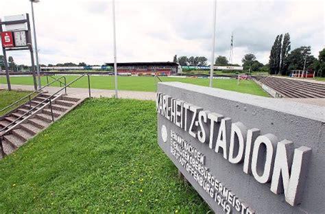 Offenburg Fvspieler Zeigen Motivation  Fußball Lahrer