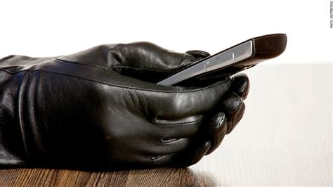 law enforcers push smartphone makers  add anti theft