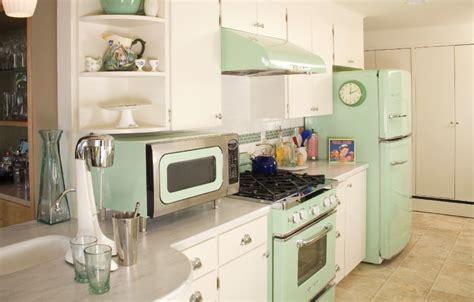 retro mint kitchen interiors  color