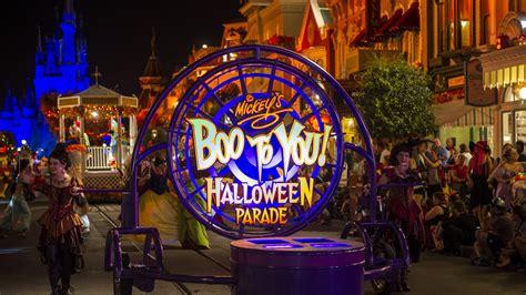 mickeys boo   halloween parade disney wiki