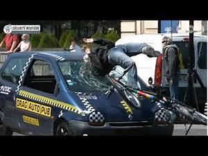 Accident De Voitures : crash test voiture contre v lo youtube ~ Medecine-chirurgie-esthetiques.com Avis de Voitures