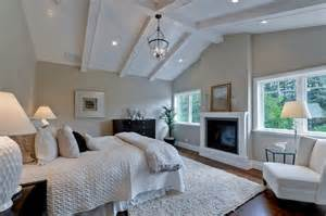 some vaulted ceiling lighting ideas to your home