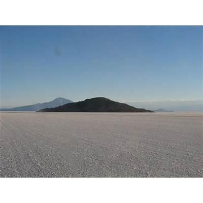 Bolivia - Salar de Uyuni (Uyuni salt flat) Isla del