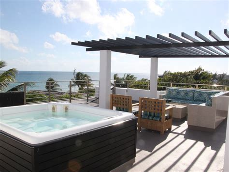 Ocean Front Penthouse Condo, Private Outdoor Living Space
