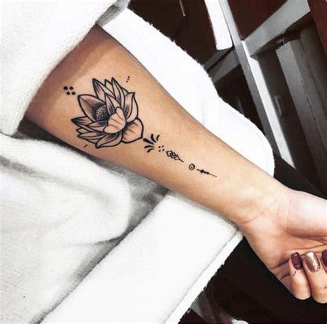 spirituelle symbole tattoos spirituelle lotus flower tattoos mandala unalome dessin signification unalometattoo petit