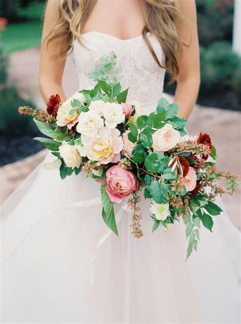 popular wedding flowers ceremony flowers bouquets