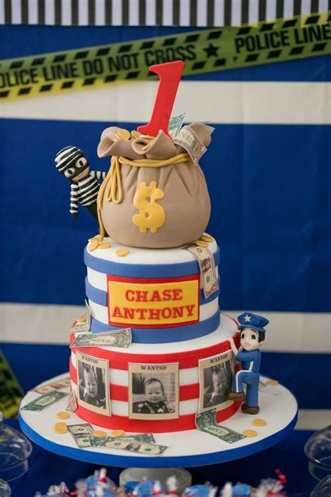 chases cops  robbers themed party cake cops