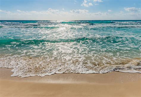 Seaside - beach scene paper wallpaper