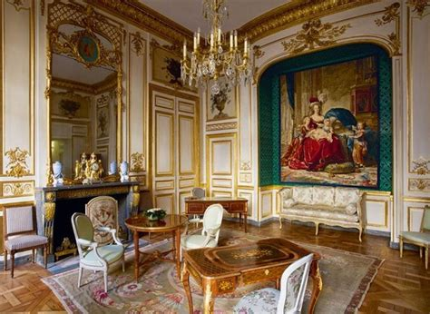 chambre de antoinette chambre antoinette hôtel de la marine the room is