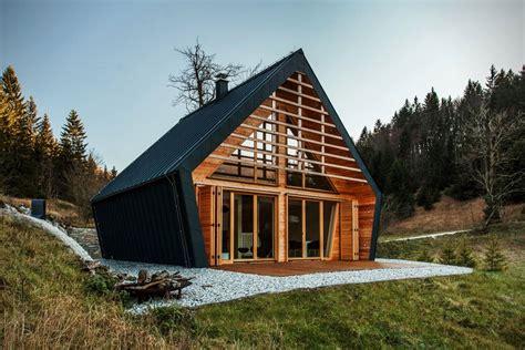 chalet en bois maison ossature bois chalet contemporain 224 ossature bois avec un confort maxi
