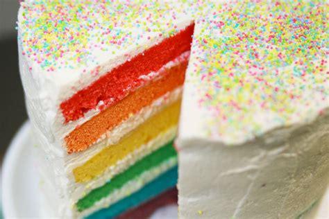 gateau d anniversaire herve cuisine recette du rainbow cake ou gâteau arc en ciel facile avec hervé cuisine