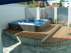 whirlpools wellness fur zu hause mitterhofer With whirlpool garten mit balkone sichtschutz