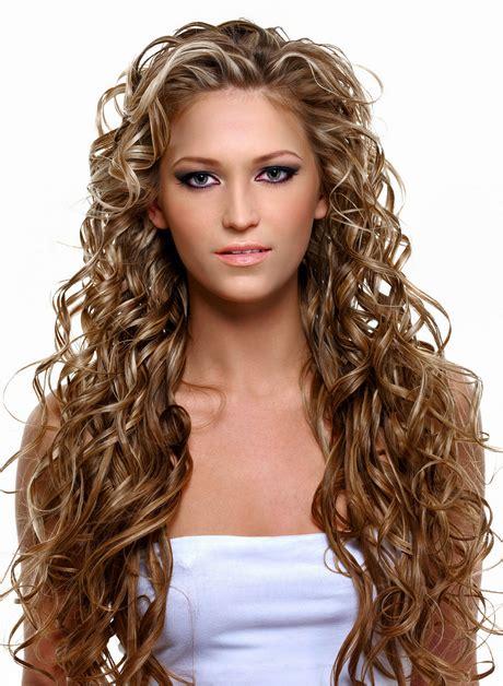 blonde locken frisuren