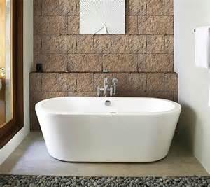 bad naturstein beige naturstein fliesen furs bad kalk auf fliesen besonders bei dunklen machen sich kalkspuren
