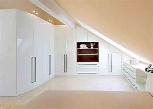 Kleiderschrank Für Schrägen : die besten 25 dachgeschoss schlafzimmer ideen auf pinterest dachboden renovierung fertiger ~ Sanjose-hotels-ca.com Haus und Dekorationen