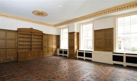 bedroom flat   buckingham palace  sale
