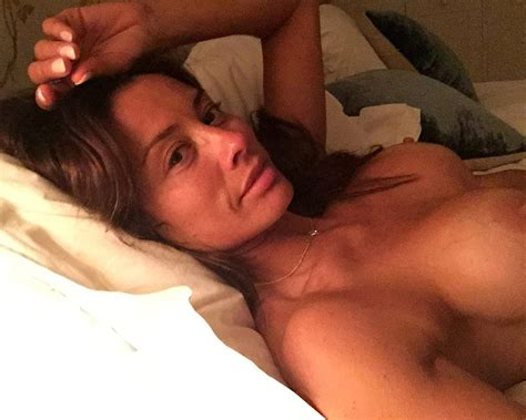 Mel Sykes Nude Private Mirror Selfies And Lingerie Pics Check Out This Milf Scandal Planet