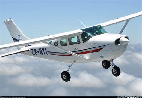 cessna u206e skywagon 206 untitled aviation 1845539 airliners net
