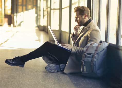 Kredītlīnija vai ātrais aizdevums? Uzzini, kā atšķiras interneta kredīti! | VIASMS.LV
