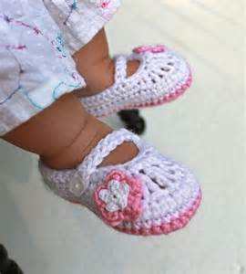 Mary Jane Baby Shoes Crochet Pattern