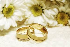 Wedding ring photos - Articles - Easy Weddings