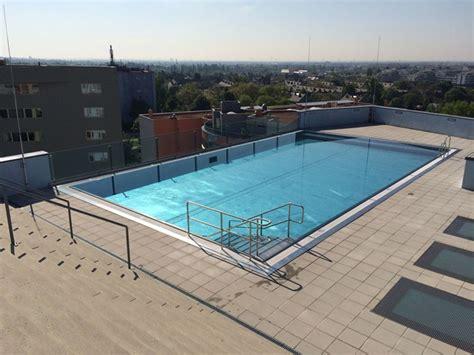 Pool Auf Dem Dach by Exklusiv F 252 R Bewohner Schwimmbad Am Dach Wohnen In Und