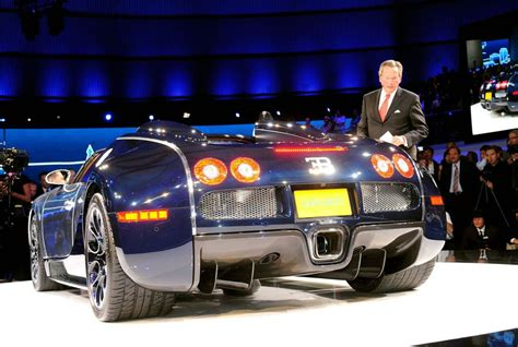 Who Makes Bugatti Veyron by Bugatti Veyron Sang Bleu Makes Appearance At Frankfurt