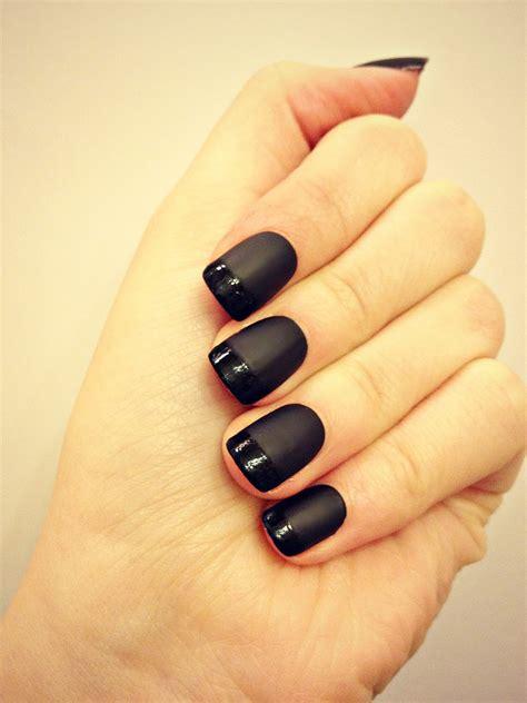 Черный маникюр 74 модных фото идей черного дизайна ногтей