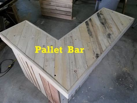 30 Best Picket Pallet Bar DIY Ideas for Your Home   Home