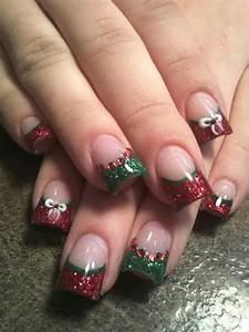 Most beautiful and elegant christmas nail designs