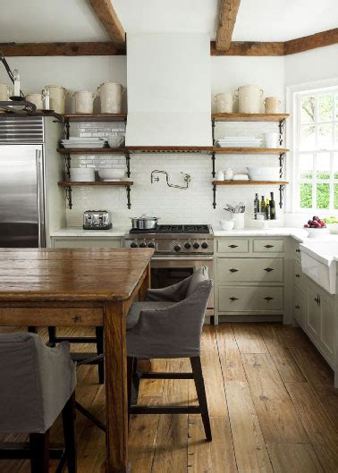 cuisine retro chic ambiance r 233 tro chic dans une cuisine en bois