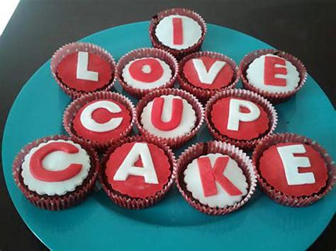 cupcake et pate a sucre recette de cupcake chocolat coco et p 226 te 224 sucre