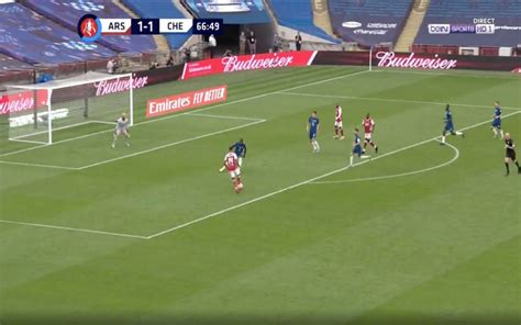 Video: Aubameyang scores with fine lob for Arsenal vs Chelsea