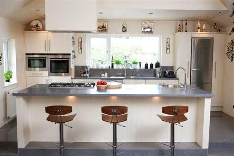 plan de travail cuisine gris plan de travail résine pour une cuisine moderne