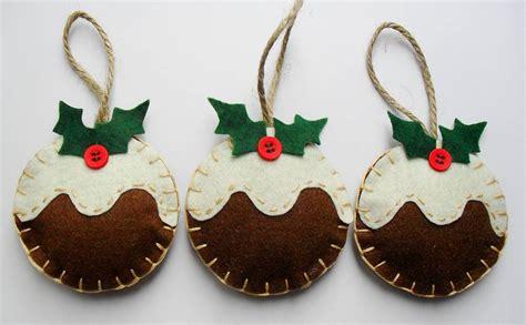 christmas decoration in colors trellischicago
