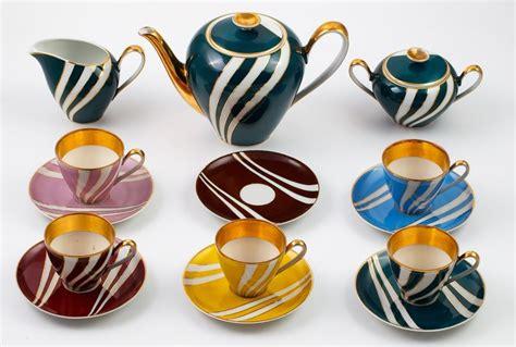 It is known for one of poland's oldest porcelain factories dating back to 1790. SERWIS DO KAWY, Polska, Ćmielów, lata 60. XX w.