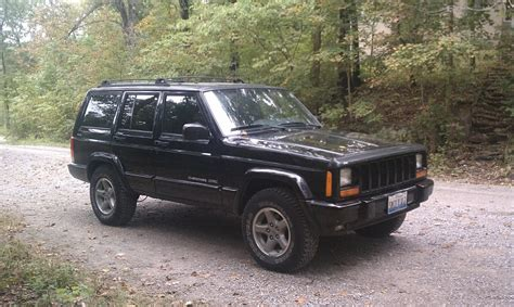 old jeep cherokee models stolen black 1999 jeep cherokee classic chicago area
