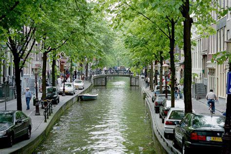 world visits amsterdam city red light district
