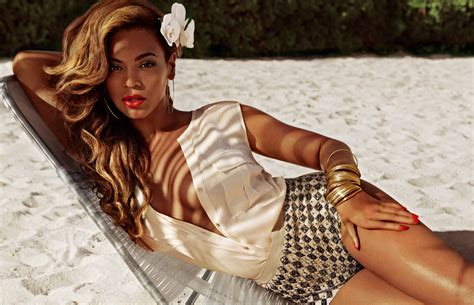 Beyonce Wows In Nude Couture