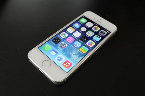 iphone 5s white apple iphone 5s 64gb white unboxing and fingerprint