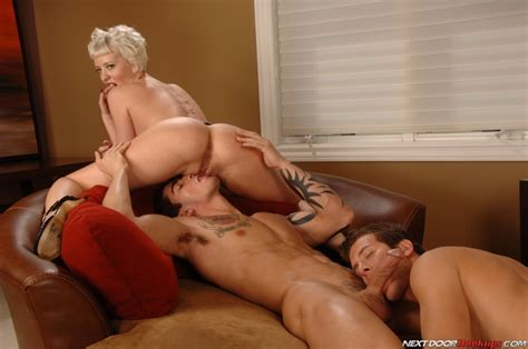 Hot Bisexual In This Awesome Threesome Pic Jerknoneout