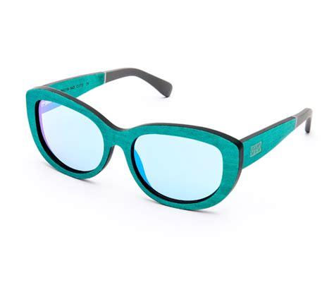 Julia Starp - eYo eyewear