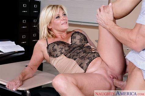Ginger Lynn & Johnny Sins in My First Sex Teacher - Naughty America HD Porn Videos