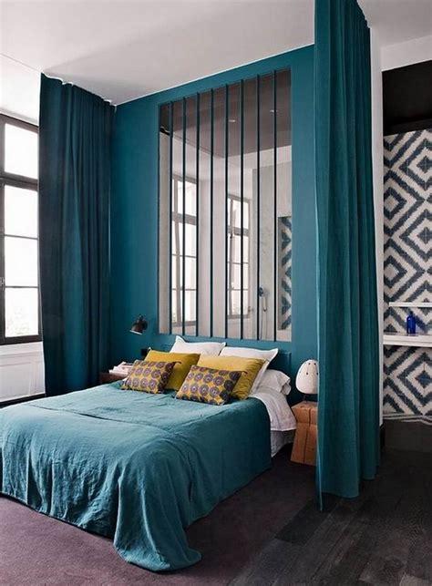 bleu chambre déco chambre bleu canard pour un intérieur serein