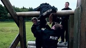 Ausbildung Bundespolizei Nrw : ausbildung bei der bundespolizei bung hd video 2015 youtube ~ Markanthonyermac.com Haus und Dekorationen