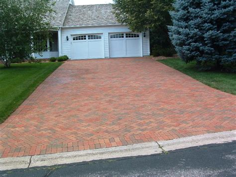 brick paver driveway ideas amazing brick pavers design ideas http lovelybuilding com do it yourself how to apply brick