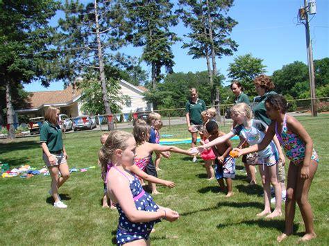 Kids Water Balloon Toss